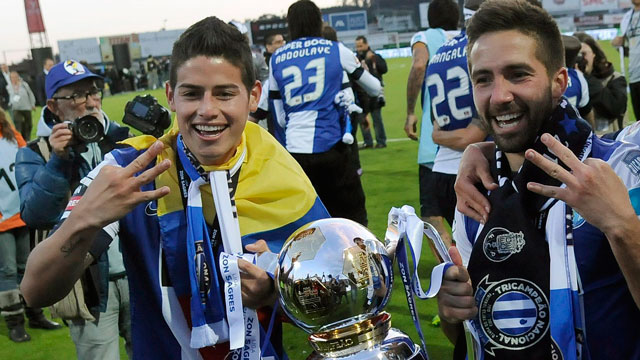 0075a570d7f FC Porto says it has struck a deal worth a combined 70 million euros ($90  million) with Monaco for midfield duo James Rodriguez and Joao Moutinho.