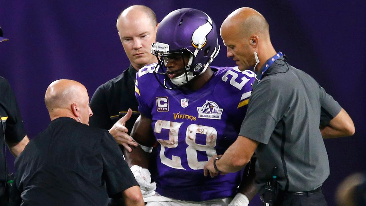 Vikings star adrian peterson leaves game with knee injury sportsnet