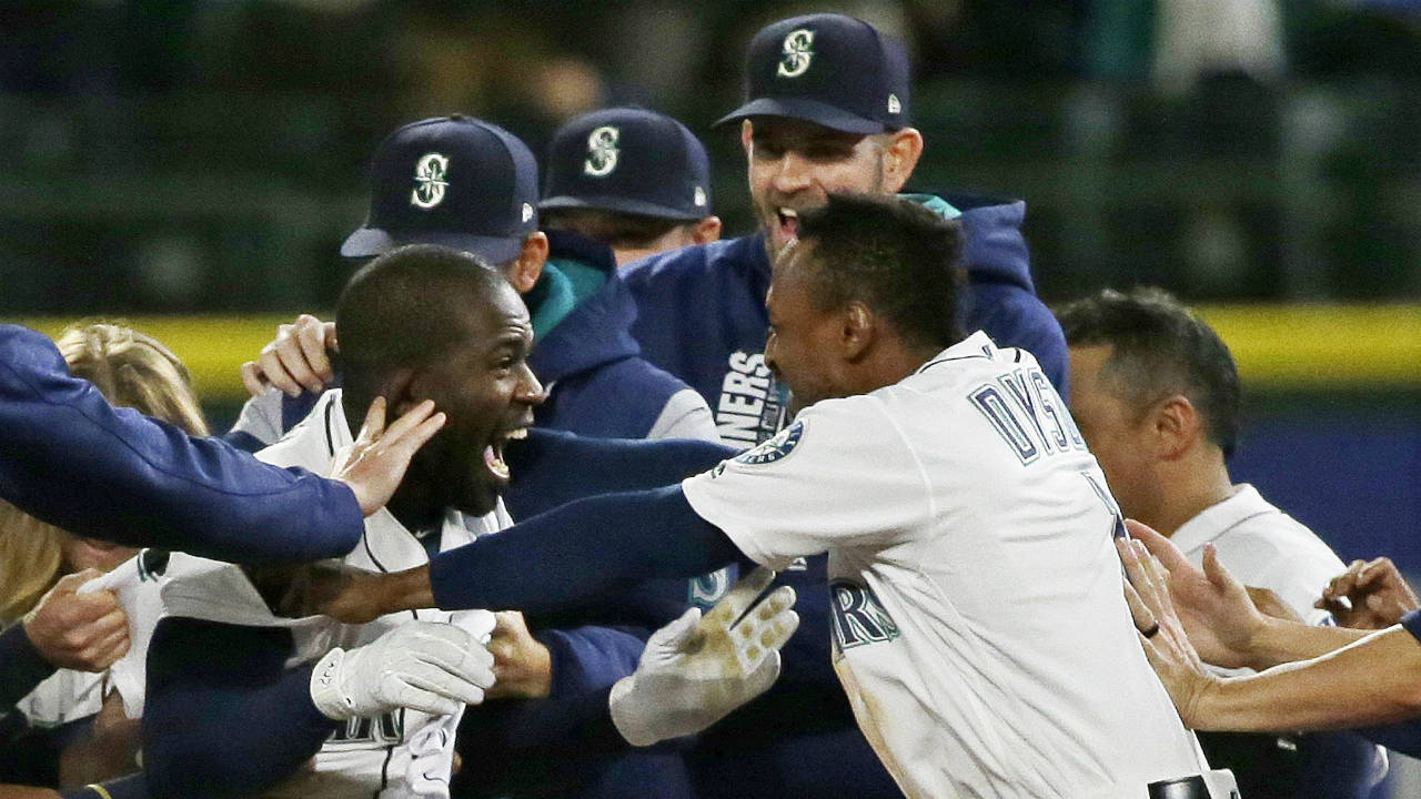 Happy-bunch-of-mariners