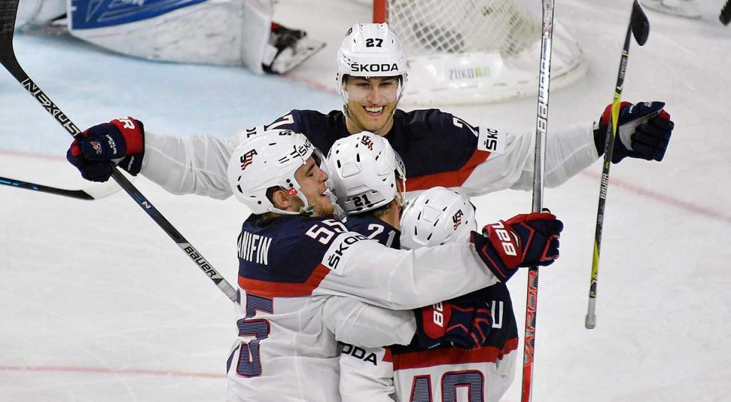 U.S. beats Russian Federation, tops pool at world championship