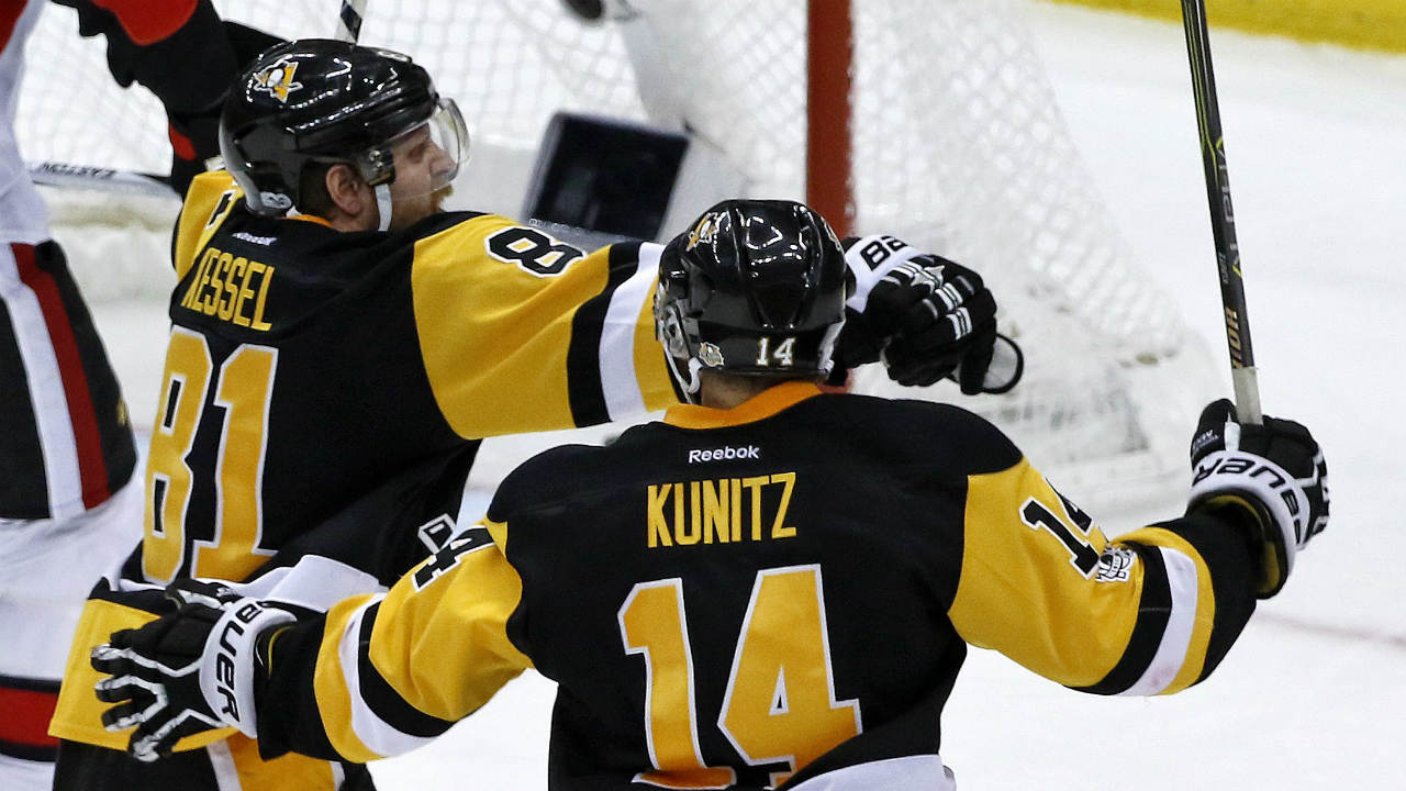 Phil-kessel-chris-kunitz