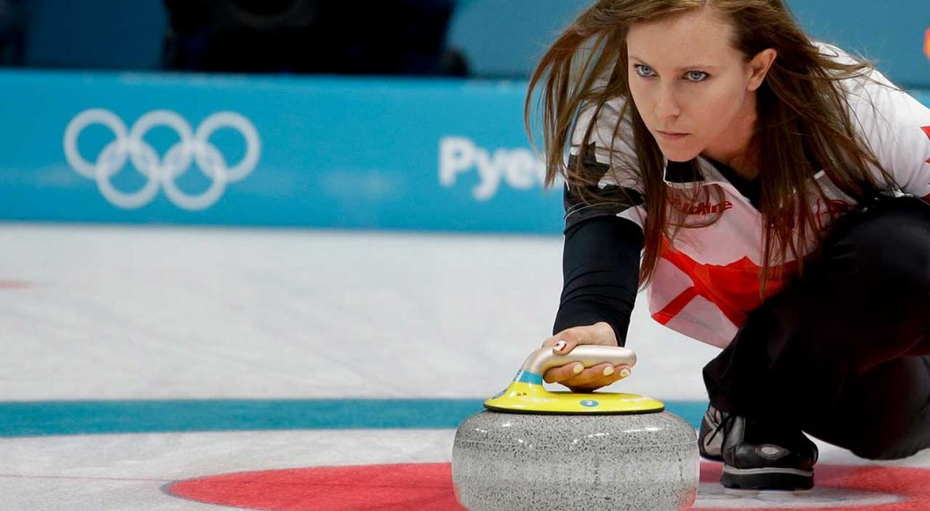Korea's Female Curling Team Edges Toward Semi-Finals
