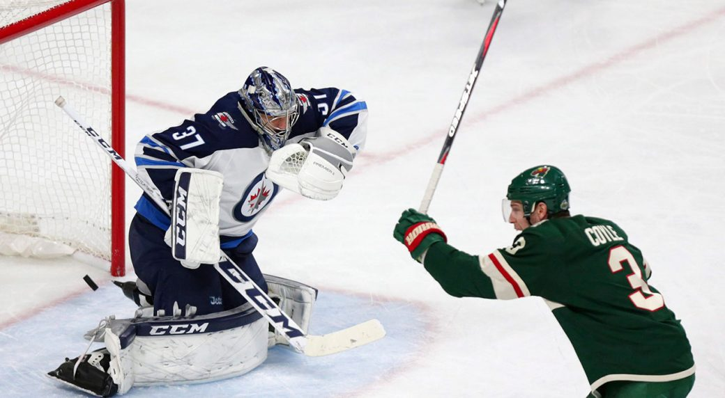 Jets battle weather to make it to Minnesota for Game 3