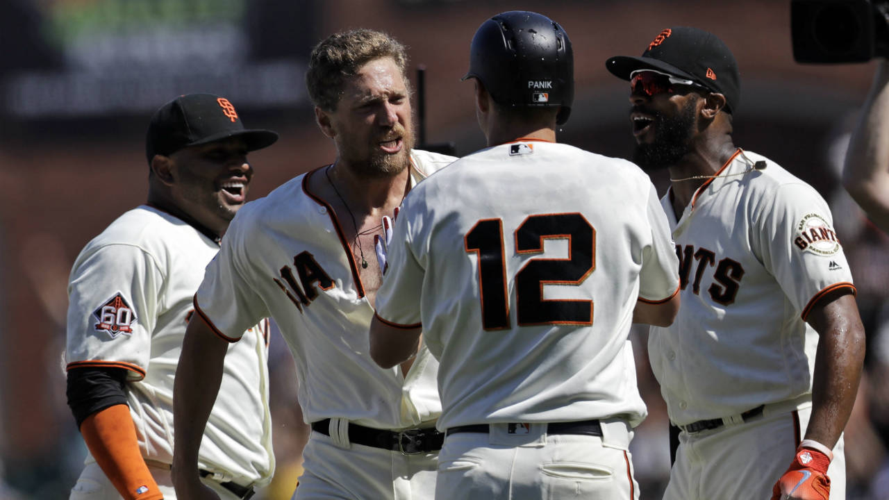 33f3c3b6a Pence s 2-run double in 11th lifts Giants over Padres - Sportsnet.ca