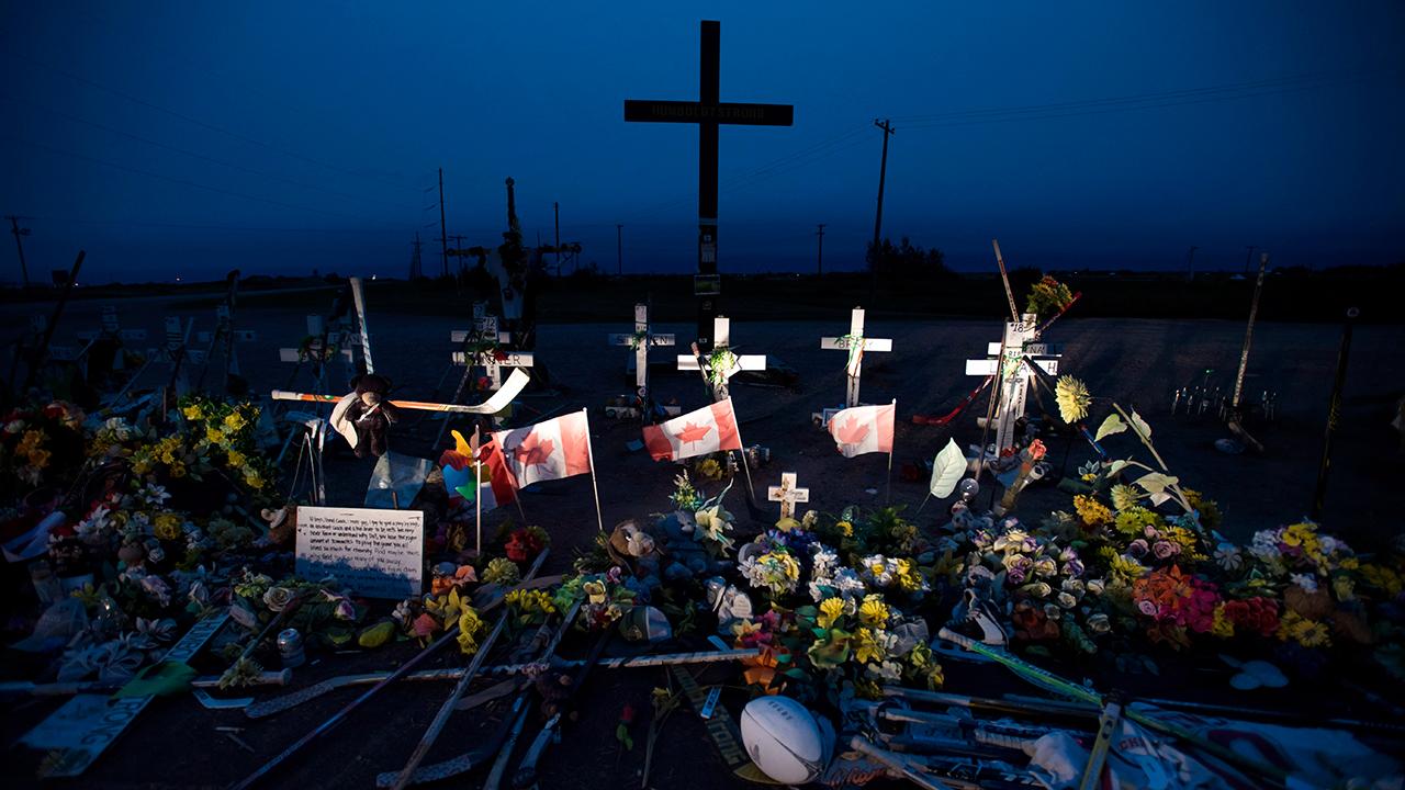 humboldt-broncos-memorial