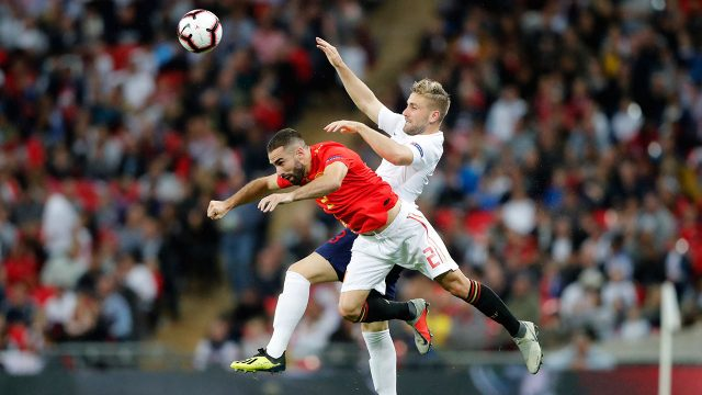luke_shaw_jumps_for_the_ball_with_dani_carvajal