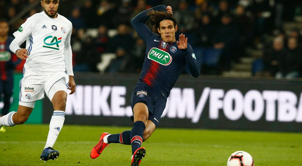PSG s Edinson Cavani scores the opening goal during the French Cup soccer  match between Paris Saint Germain and Strasbourg at the Parc des Princes  stadium ... be743acf9