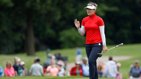 hannah-green-waves-to-crowd-at-womens-pga-championship